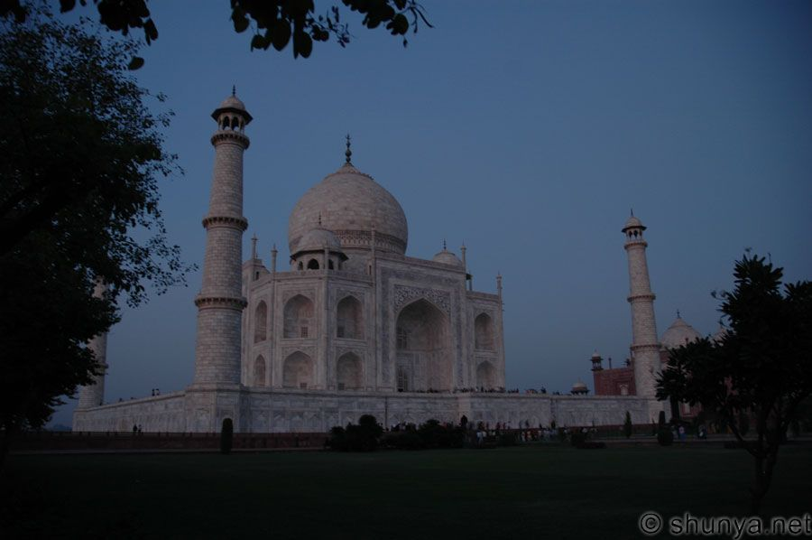 essay on visit to taj mahal agra