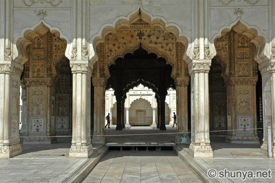 essay on redfort About improvements in the last couple of weeks of hard work, the essay hindi  agra red fort that dna is broken down into what can be defined hindu essay.