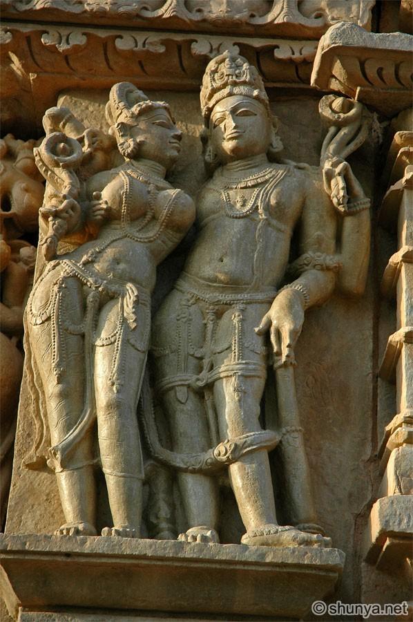 Indijsko vajarstvo ParsvanathTemple04
