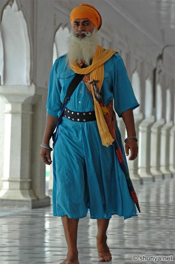 Ljudi iz raznih krajeva svijeta SikhMan02