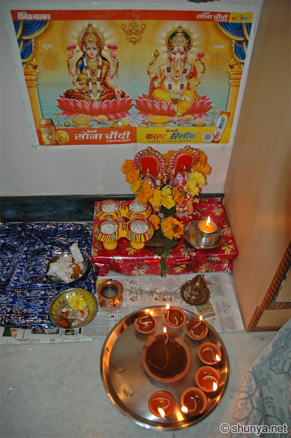 my favorite festival is diwali Diwali is a festival of lights diyas, candles and tiny light bulbs are all over the place as far as your sight goes, you will see rows of houses decorated with colorful lights.