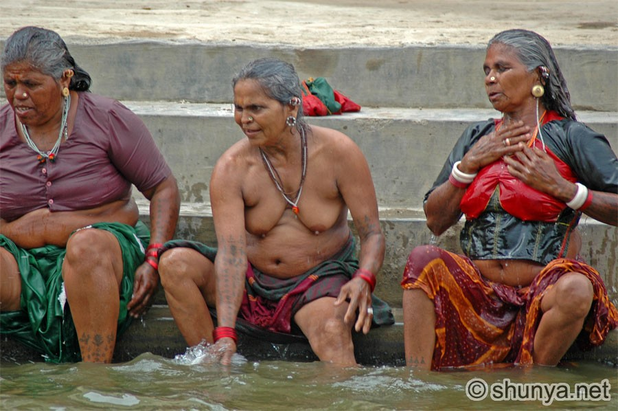 Village girls open bathing photo